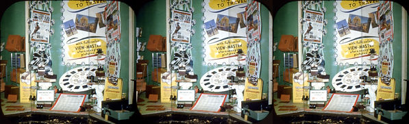 Window display with View-Master reel 4_P