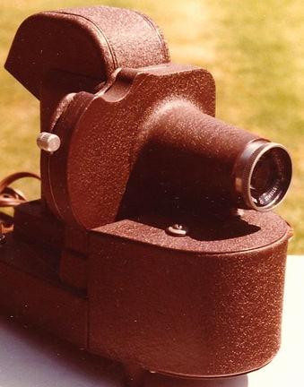 1978_View-Master__2D_metal_projector_designed_by_Karl_Kurz_by_Marilyn_Felling_2_edited.jpg