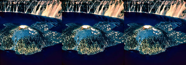 C-43_Crater_Lake_Natl_Park_overhead_shot
