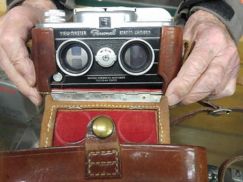 View-Master Personal camera opened hinged leather case.jpg