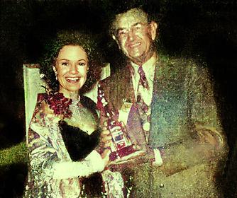 1952_02_28 Dorothy Hart presenting Stere