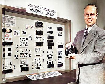 Gordon Smith with View-Master Assembly Display colorized.jpg