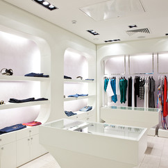 THE IMPACT OF LIGHTING IN RETAIL SHOPPPING
