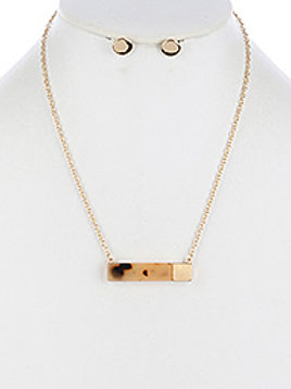 MARBLE FINISH METAL BAR NECKLACE AND EARRING SET