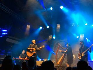 Invitée par Mickael Jones en concert à Lorient