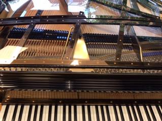 Skeleton Piano@Baker St. London