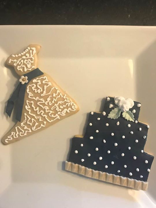 Bridal shower cookies this weekend!.jpg