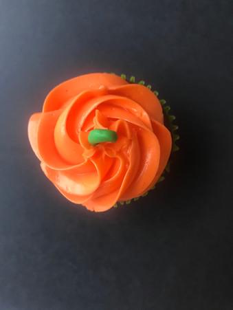 Halloween_Pumpkin_Cupcake.jpg