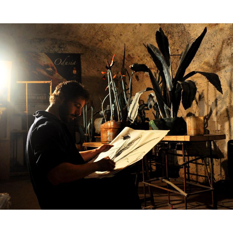 Alessio Deli nel suo studio, RvB Arts
