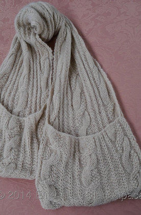 SF10 - Cable Scarf with Pockets - Cream