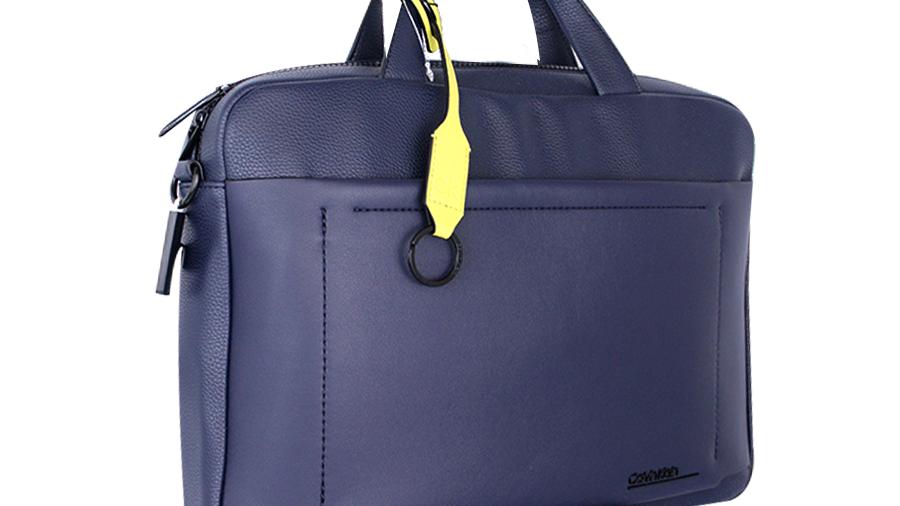 Calvin Klein maletín azul liso