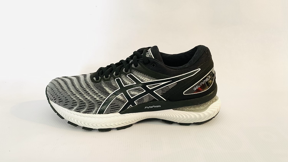 Gel Nimbus 22, white/black, women. 1012A587.100