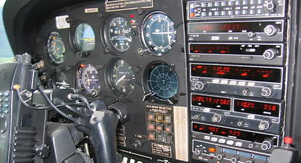 210-cockpit3.jpg