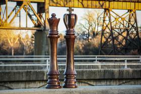 17.12.20_walnut_chess_pieces_LR_008.JPG