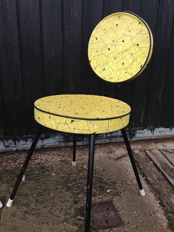 This Fabulous Fifties Formica Table And Chairs Add Quirkiness To Any Dining  Space. The Original Yellow Chair Covers Is Worn In Places (arenu0027t We All?)  But ...