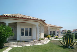 villa-194671_1280.jpg