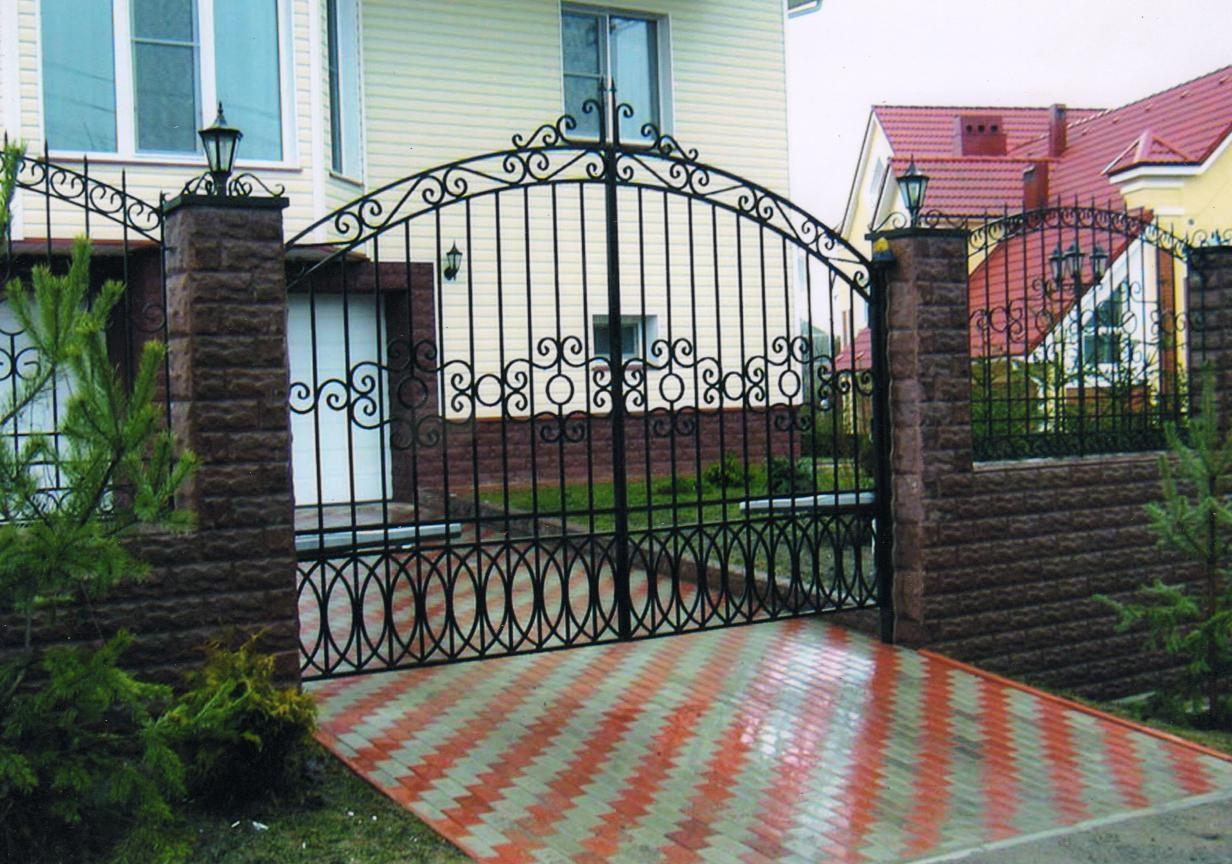 Усадебные ворота, забор