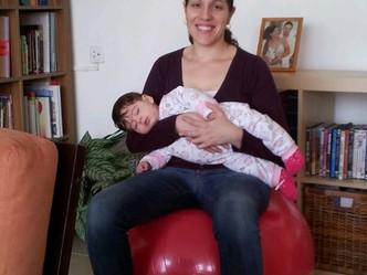 אמא עם רגשות אשמה- כך נראית אישה אחרי לידה באמת