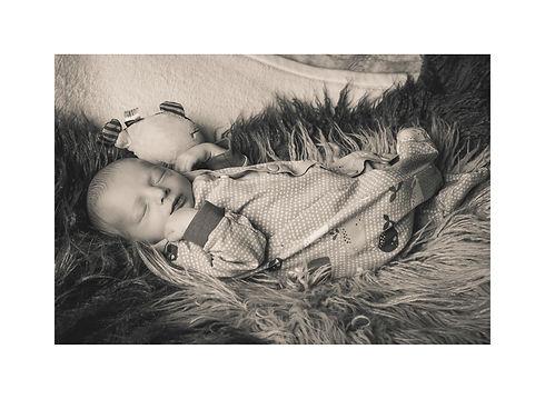 7 Vorlage Newborn Größe Bild.jpg