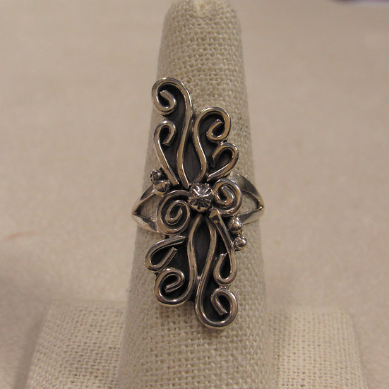 Sterling Silver Southwest Ladies Ring with Lots of Scrolls