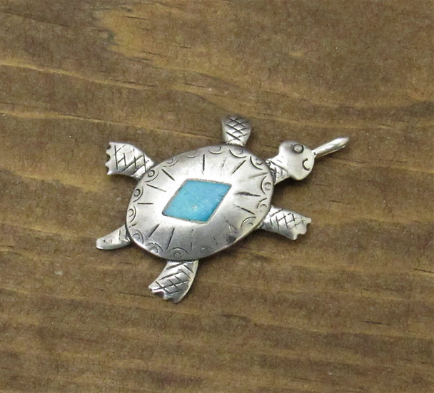 Vintage Sterling Silver and Turquoise Turtle pendant
