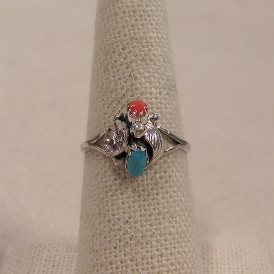 Dainty Southwest Sterling Silver, Coral and Turquoise Ring Size 7.5