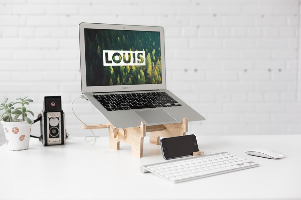 Louis-Logo-Oak.jpg