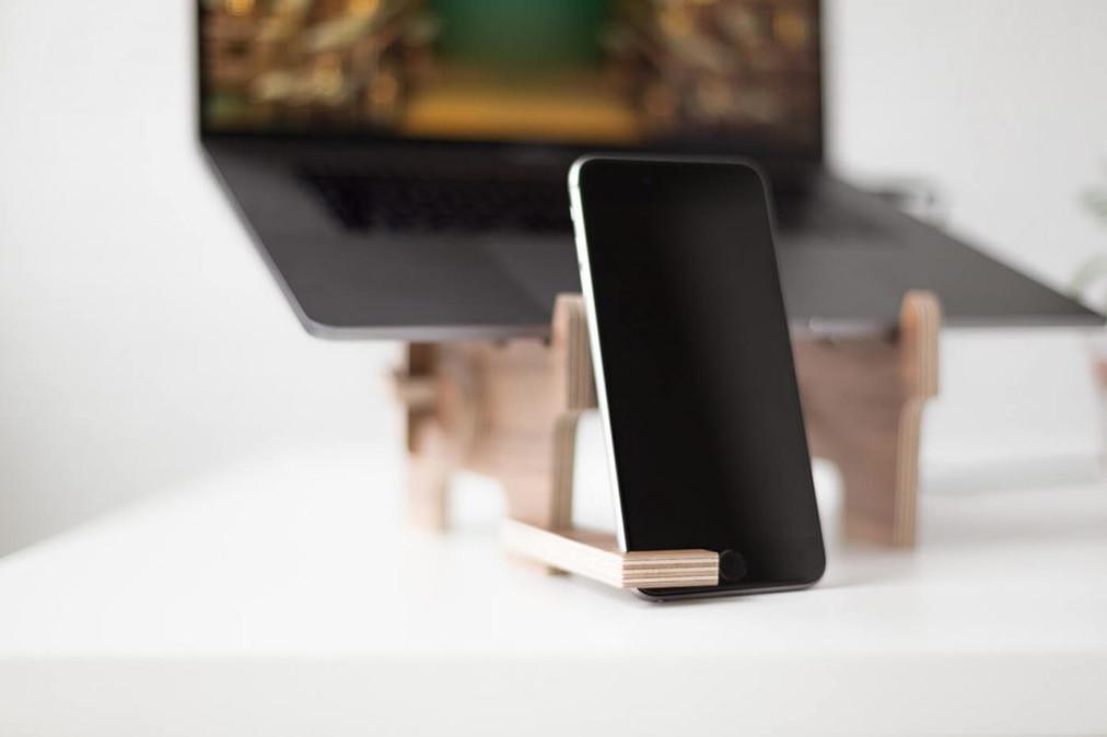 Louis-Phone-Holder-1024x682.jpg