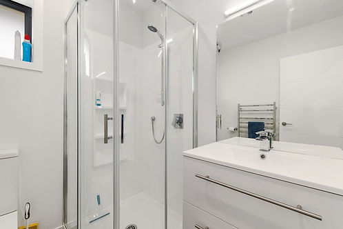 White shower room