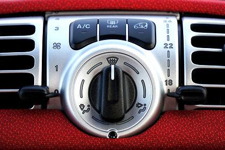 car-2189877_1920.jpg