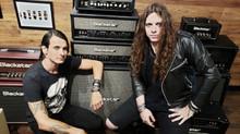 Banda brasileira radicada nos Estados Unidos fecha parceria com empresa britânica