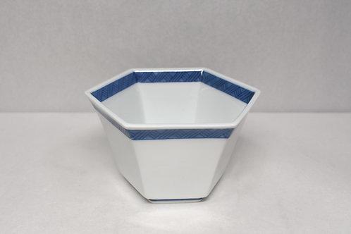 染付地紋 六角鉢