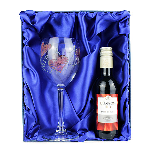Personalised Love & Kisses Red Wine SetThis fun and funky Love Kisses Red Wine set-is the perfect gift for any wine lover.