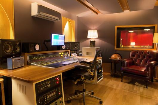 DockStreetStudios-Control_Room-Angle5-96