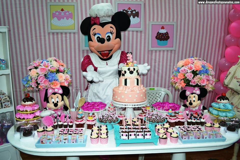 Minnie confeiteira