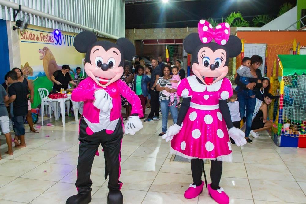 Mickey e Minnie rosa