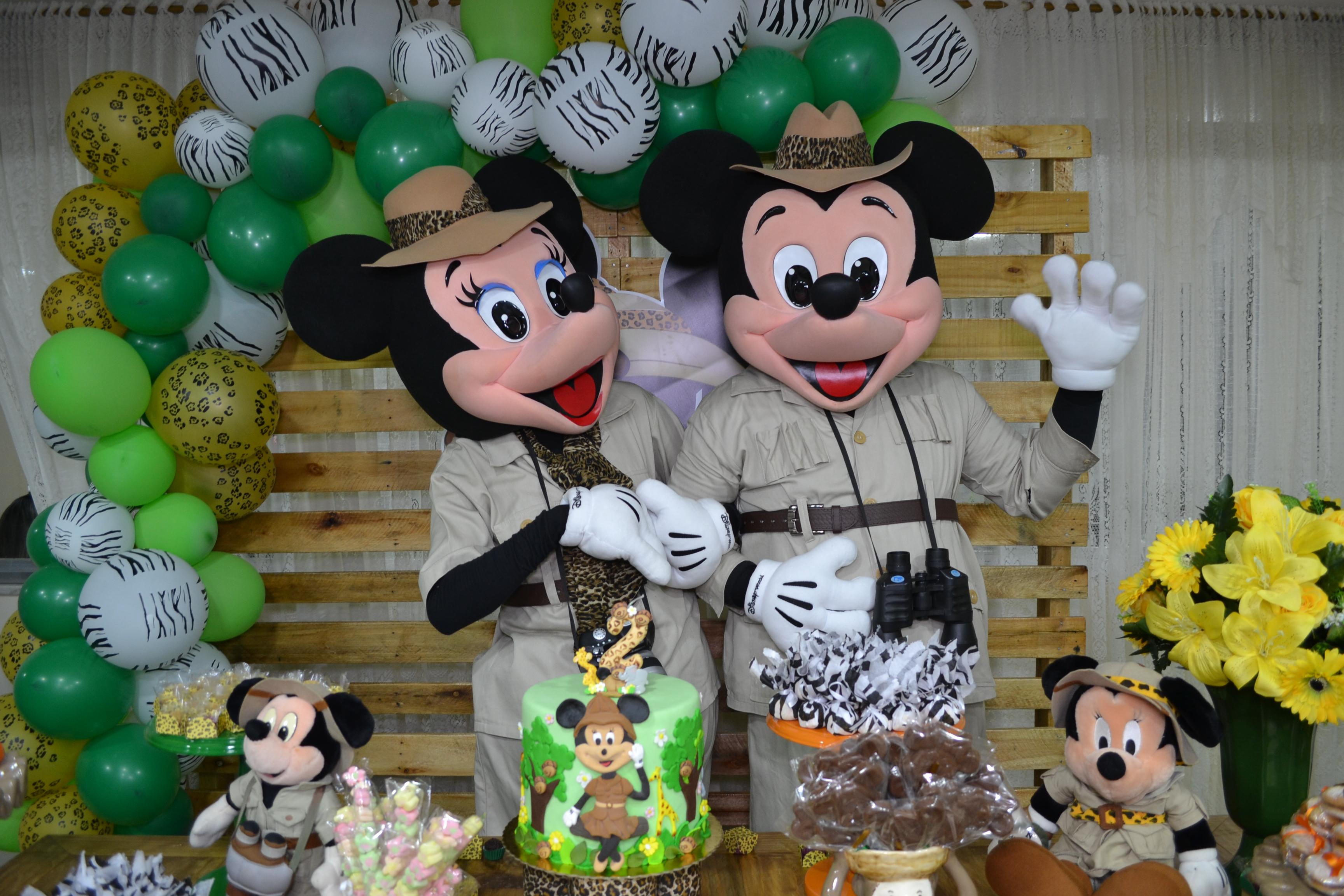 Mickey e Minnie safari