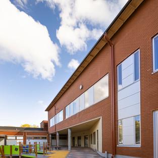 Uomarinteen koulun perusparannus ja laajennus