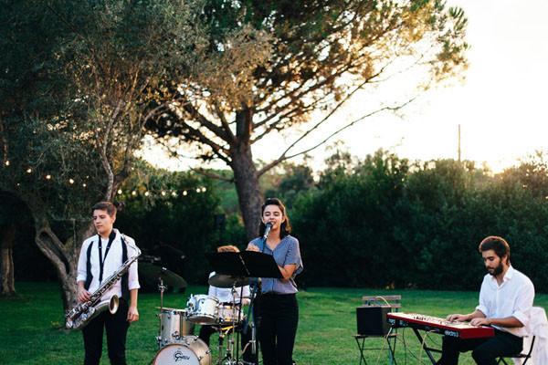 10_Detallerie_Wedding Planner_música-en-la-oficina