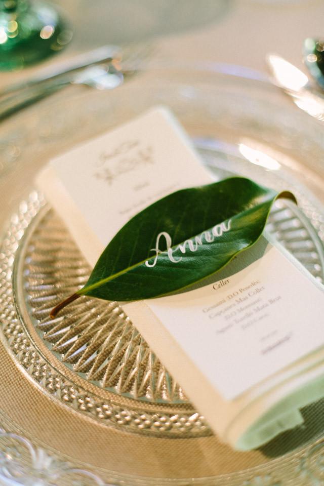 78_detallerie_wedding-planner_romantic-and-elegant-wedding_table-setting_reception_flowers
