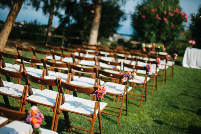 36_Detallerie_wedding planners_colorful wedding_ceremony outdoors