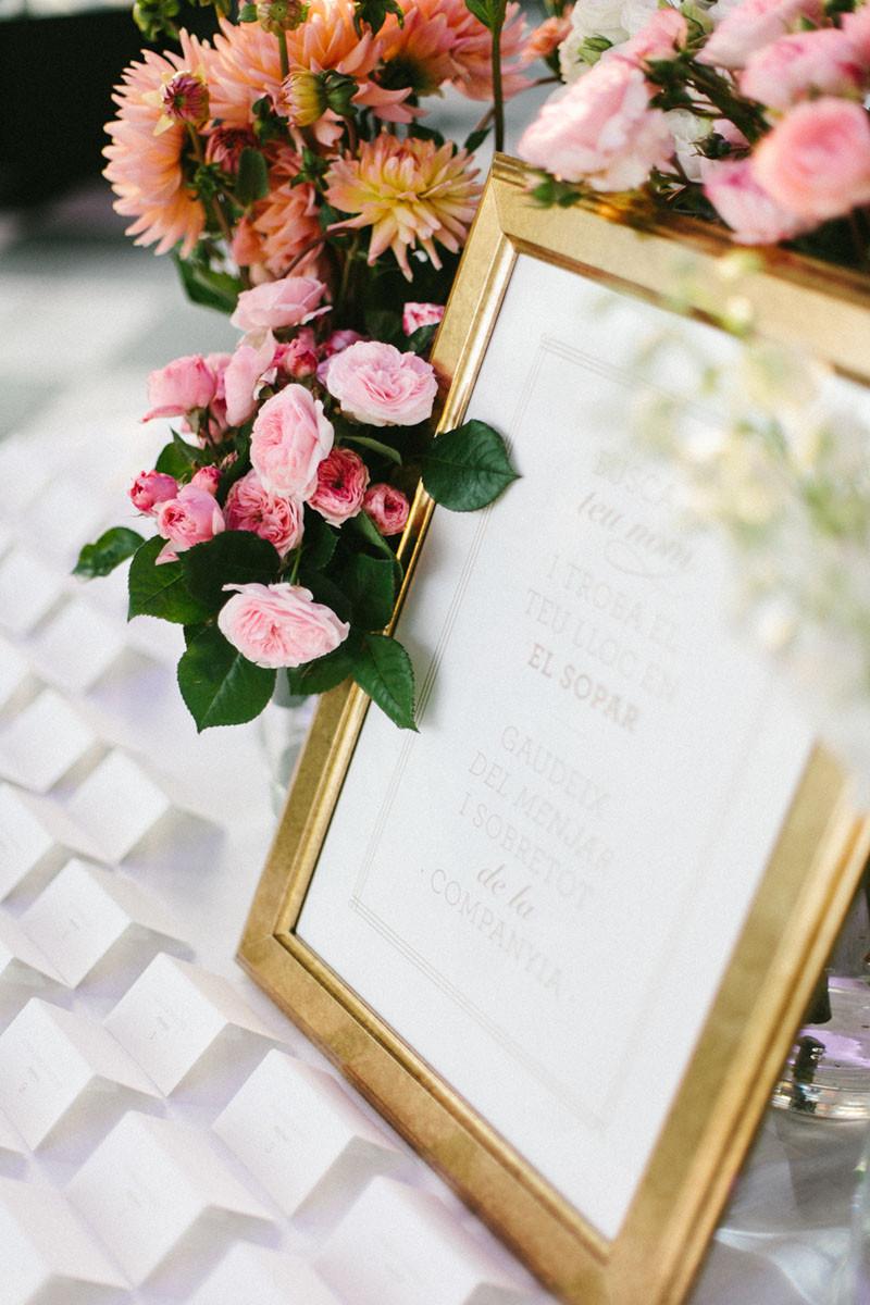 122.Detallerie_wedding_planner_seating plan_gold
