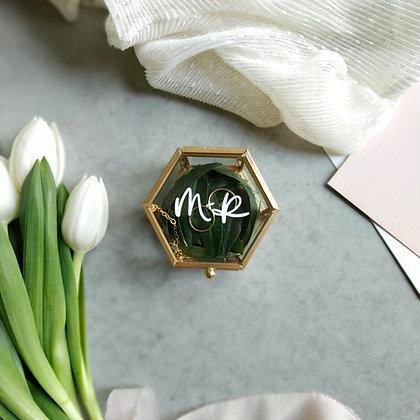 Caja de joyas dorada personalizada