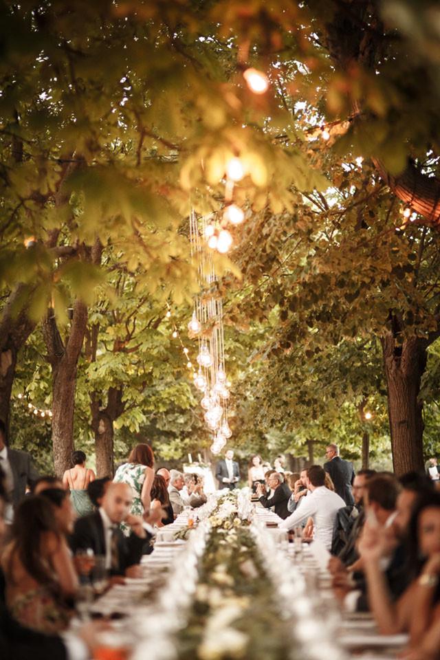 34_Detallerie_Wedding_castle_table scape_setting_lighting