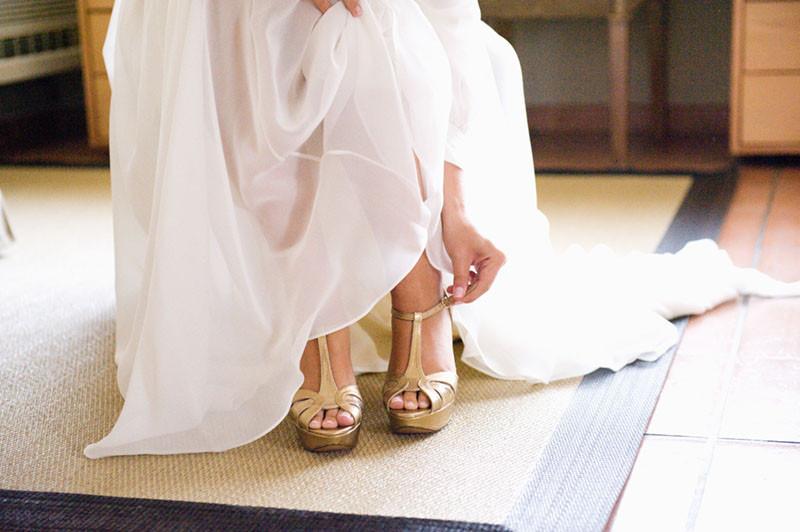 zapato novia dorado xio y xiqui