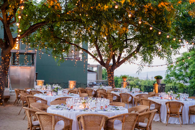 44_Detallerie_wedding_planners_destination_setting_olive_spain_string lights