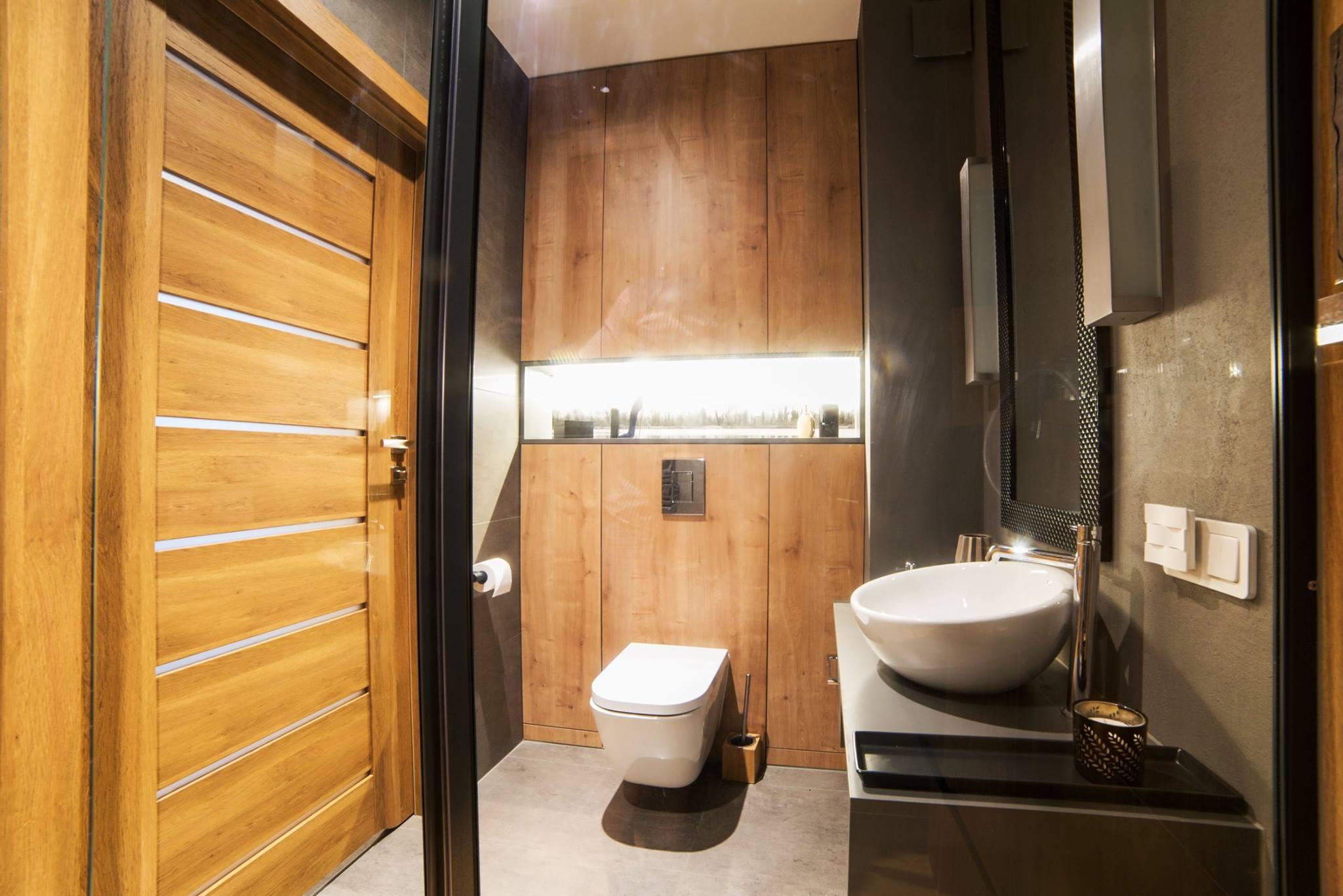 łazienka zabudowa wc.jpg