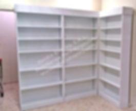 estanteria de farmacia