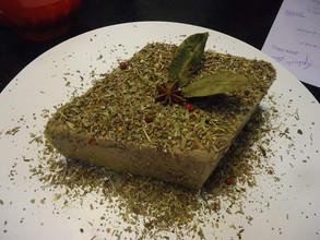 Patê de pato ao Porto com crosta de ervas