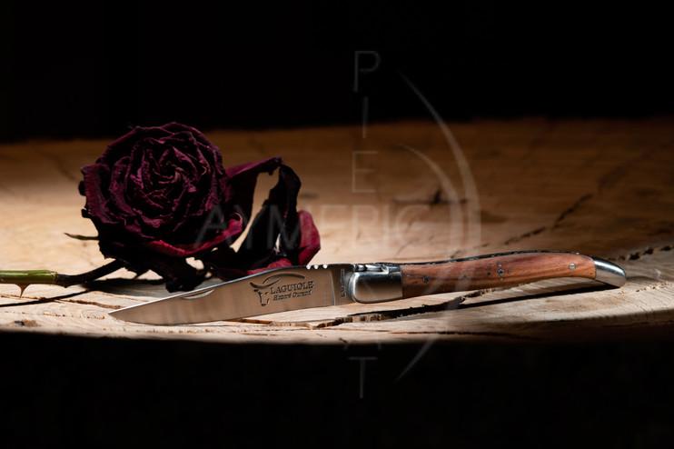 Couteau de Laguiole Bois de Rose Packshot